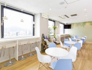 会社の休憩室を利用した出張社員食堂